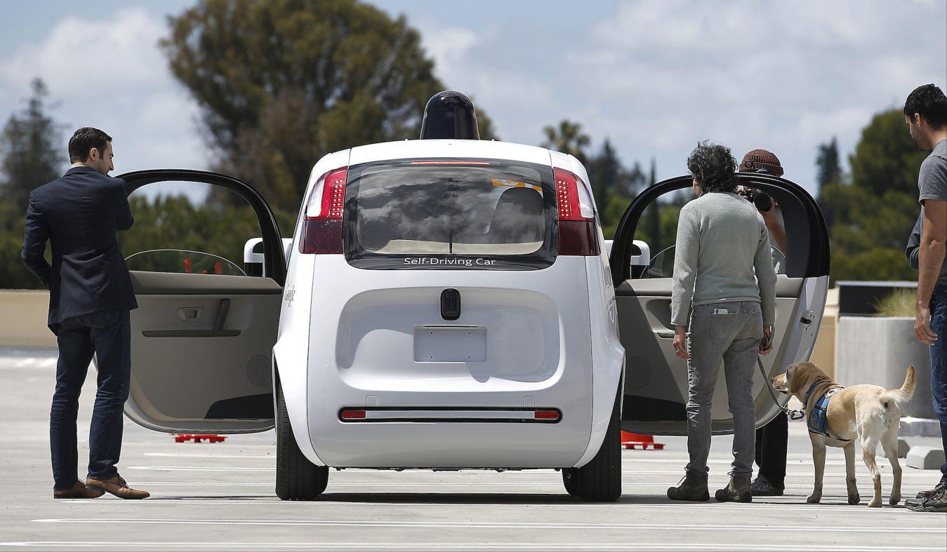 歩行者も乗客も守る、自動運転の急ブレーキを強化学習で防ぐ新研究
