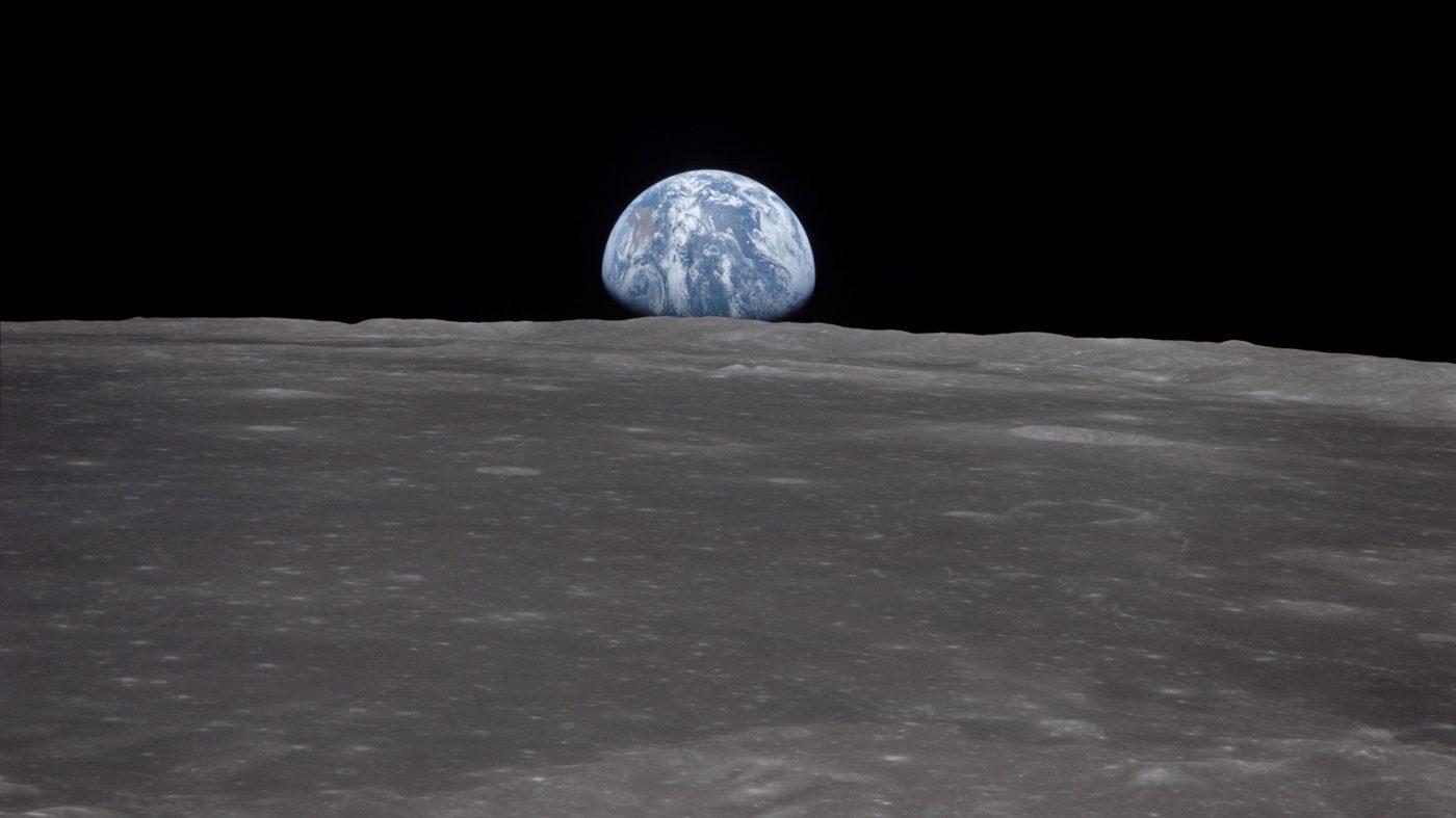 巨大衝突による月の誕生に新説、地球はマグマで覆われていた?
