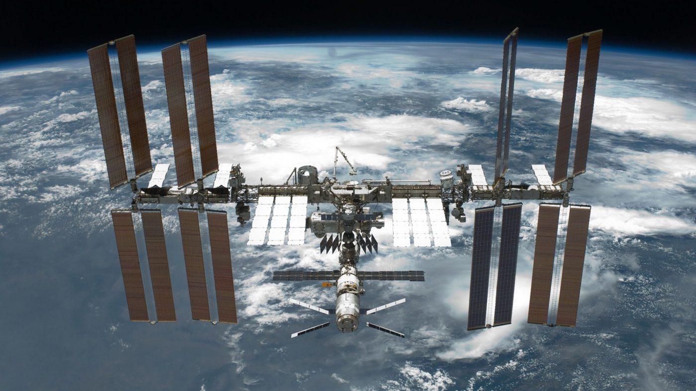 ISSで電源トラブル、スペースXの補給ミッションに遅れ
