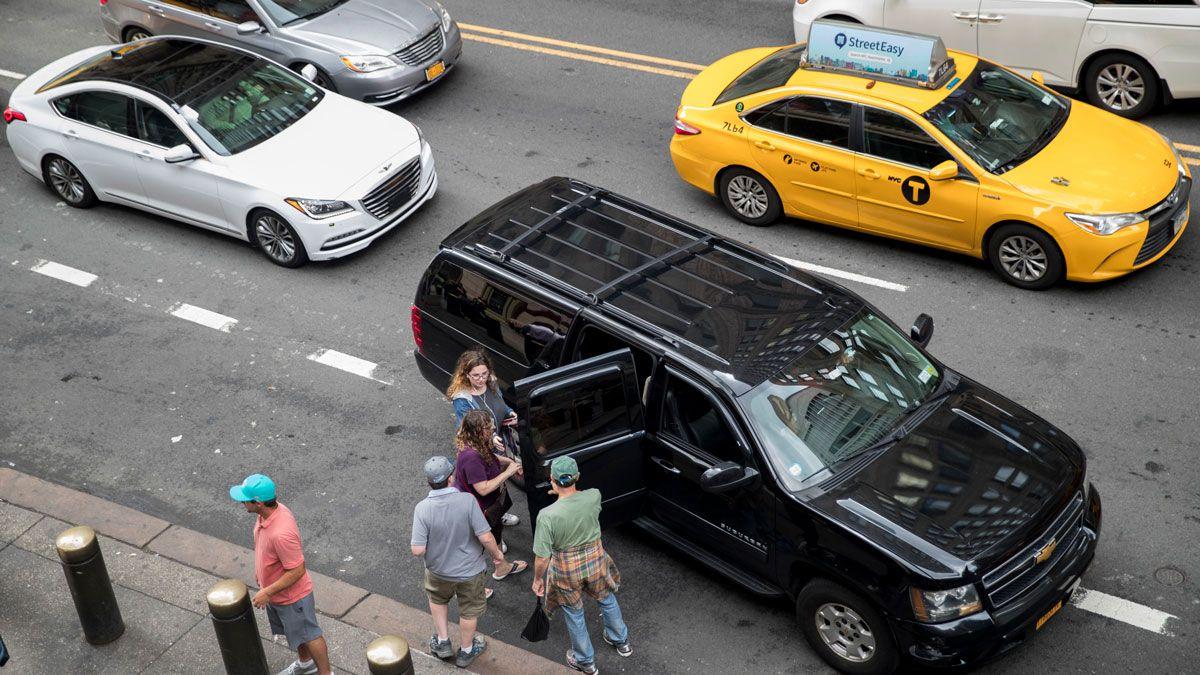 ウーバーとリフト普及で都市部の渋滞が悪化、新研究が指摘