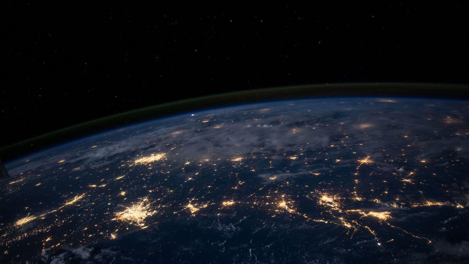 AI利用のルールづくり目指す、世界経済フォーラムが評議会設立へ