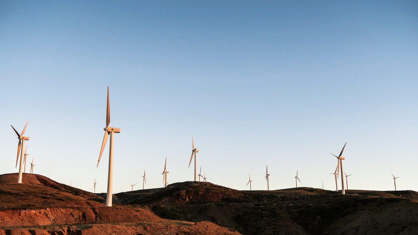 クリーンエネルギーへのイノベーション、遅れが顕著に