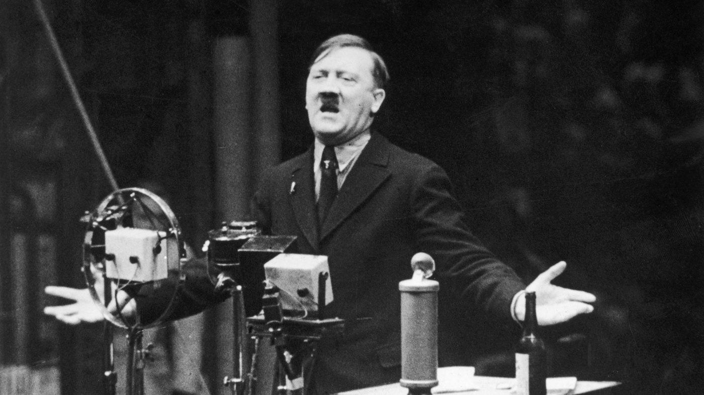 ユーチューブのヘイトスピーチ対策の難しさ、歴史的動画も削除