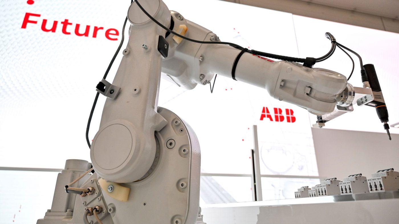ウーバーAI研究所前所長や「ルンバの父」集結、ロボットOS開発へ