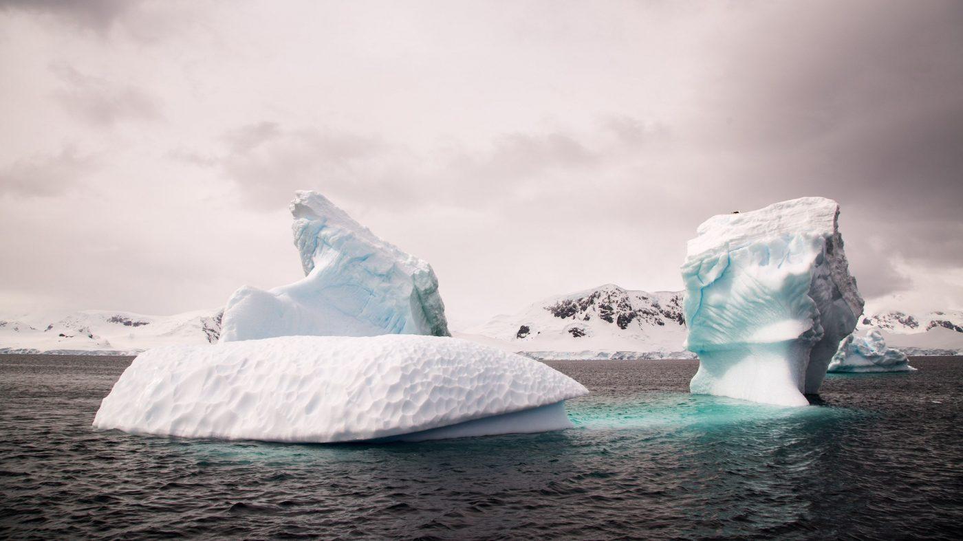 南極の海氷が激減、35年分の増加量が数年で消えた?