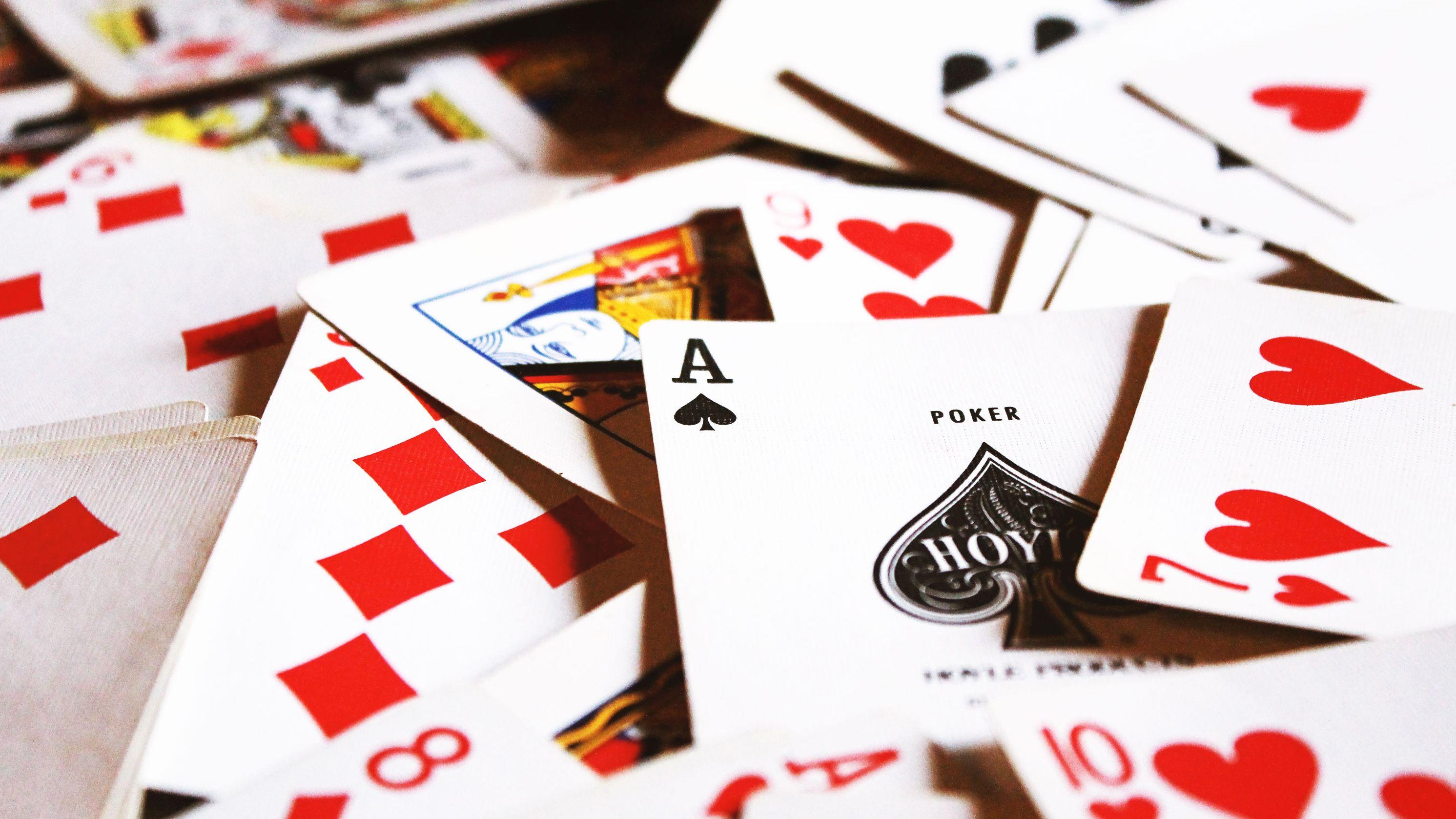 フェイスブックが作った ポーカーAIがプロに圧勝、 強すぎて「非公開」