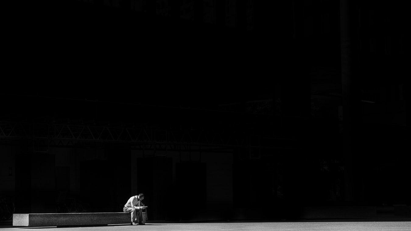 出会い系アプリ「使いすぎ」で強い孤独感、米新研究