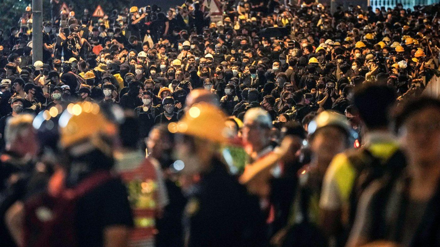 ツイッター、香港デモ攻撃の中国政府系アカウントを停止