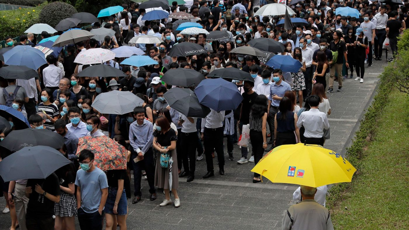 ユーチューブ、香港デモ関連チャンネルを閉鎖