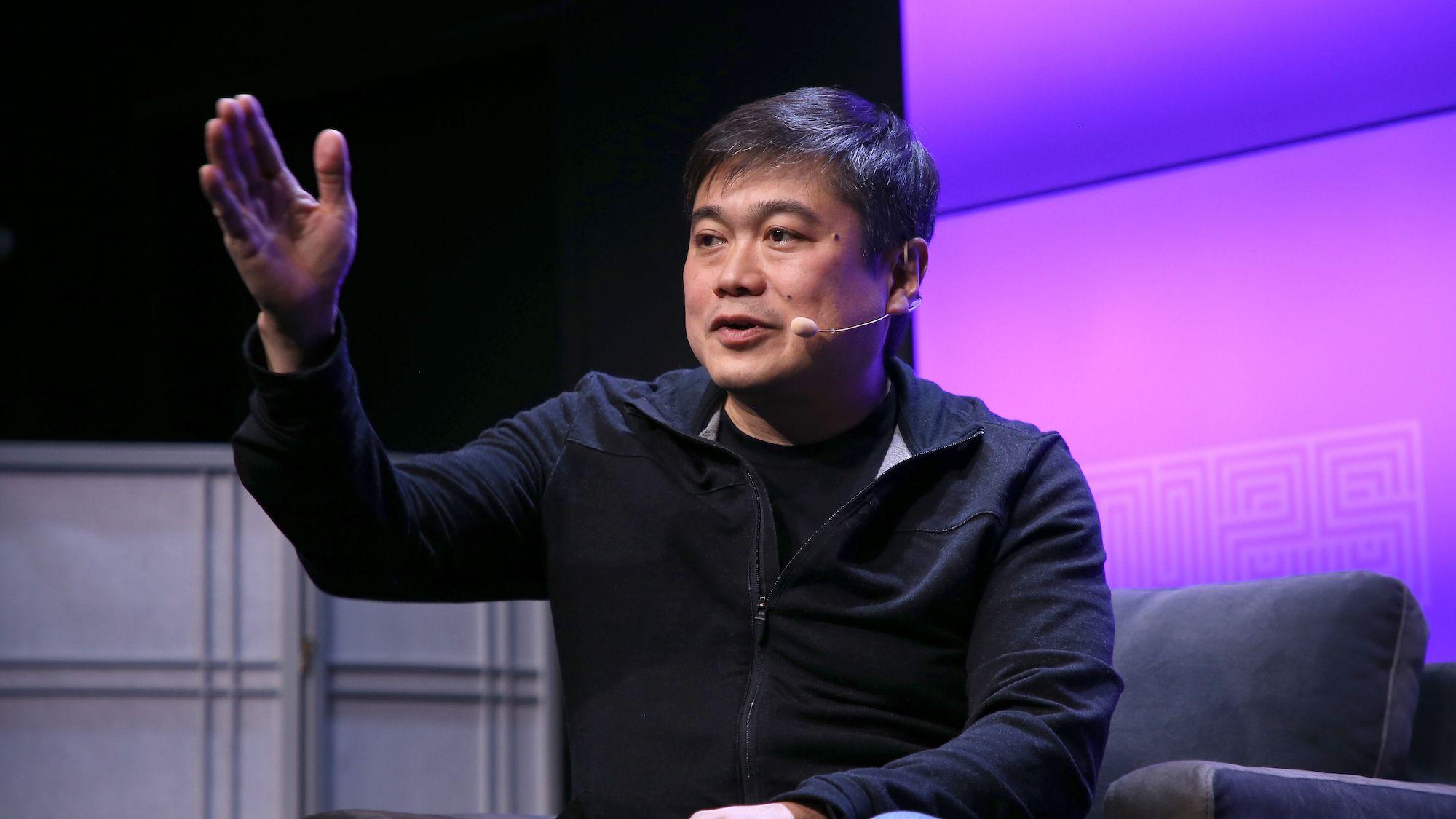 MIT Tech Review: MITメディアラボの伊藤穰一所長が辞任