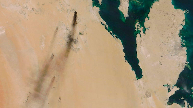ドローン10機がサウジ石油施設を攻撃、生産半減