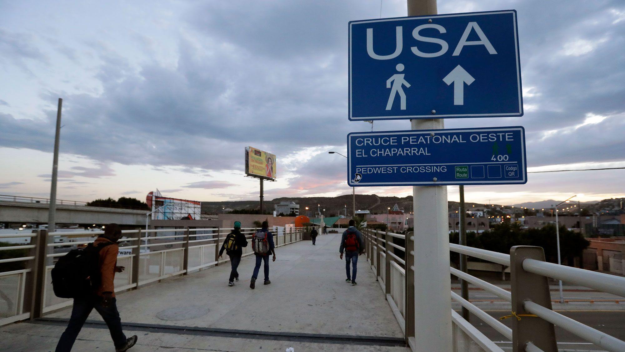 米司法省、メキシコ国境で移民からDNA採取を計画