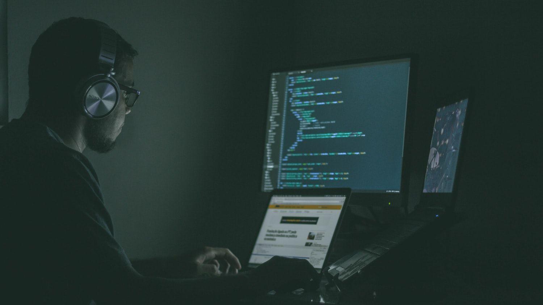 巨大掲示板を支える自動化 コンテンツ監視の未来