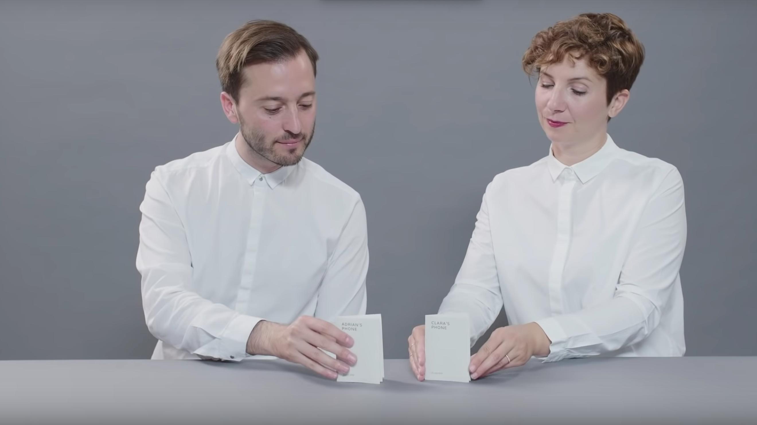 大真面目なグーグル製「紙電話」はデジタル・デトックスに効くか?