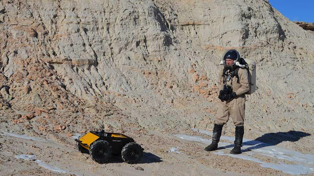 米陸軍「軍用ロボット犬」開発プロジェクト、10年間の研究成果を披露