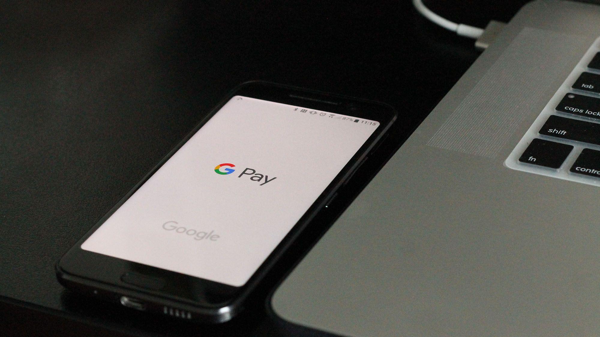 グーグルも金融強化、シティ提携で銀行口座提供へ