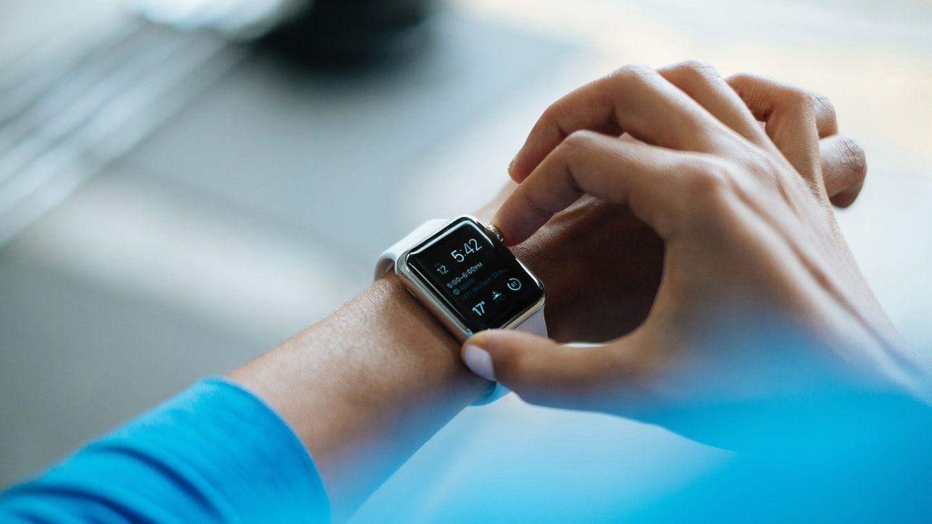アップルが健康調査アプリをリリース、医療研究への協力呼びかけ