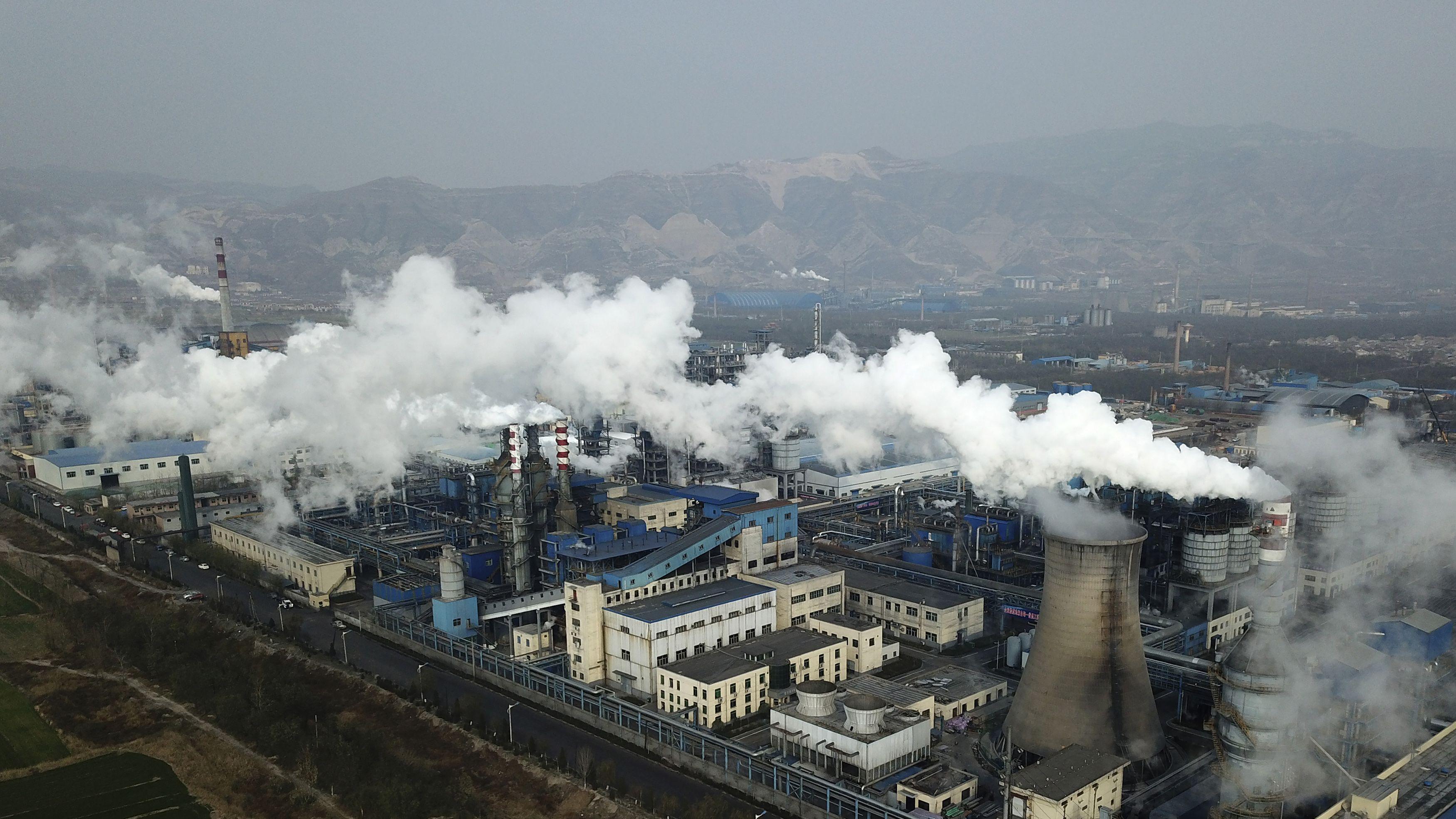 進まぬCO2排出量削減、今世紀中に平均気温「4度上昇」の恐れ