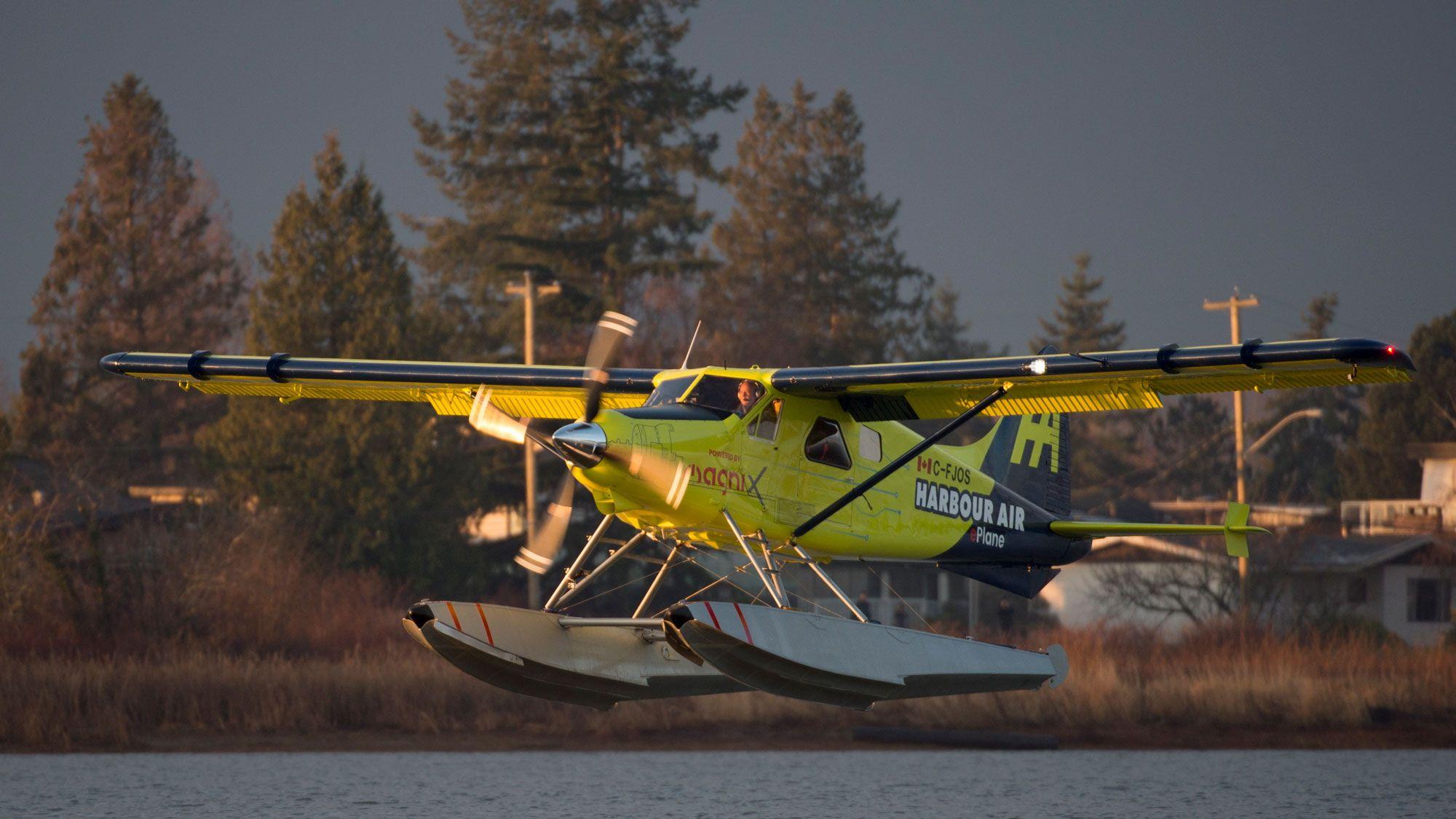 完全電気商用飛行機が初飛行に成功、電化への一歩踏み出す