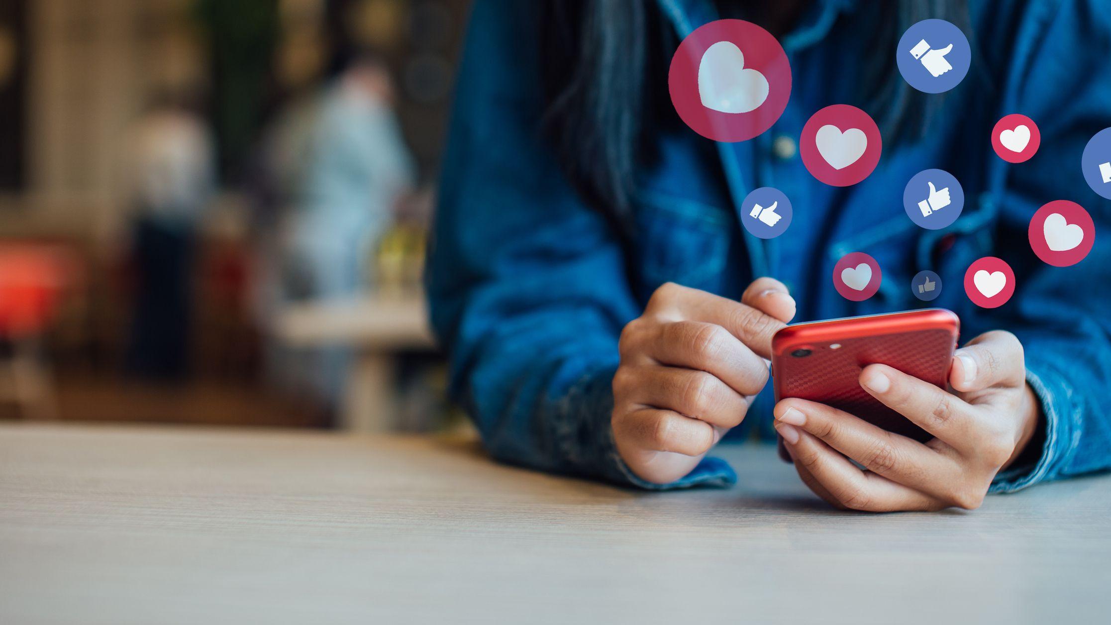フェイスブックがファクトチェックを強化、パート採用で迅速化へ