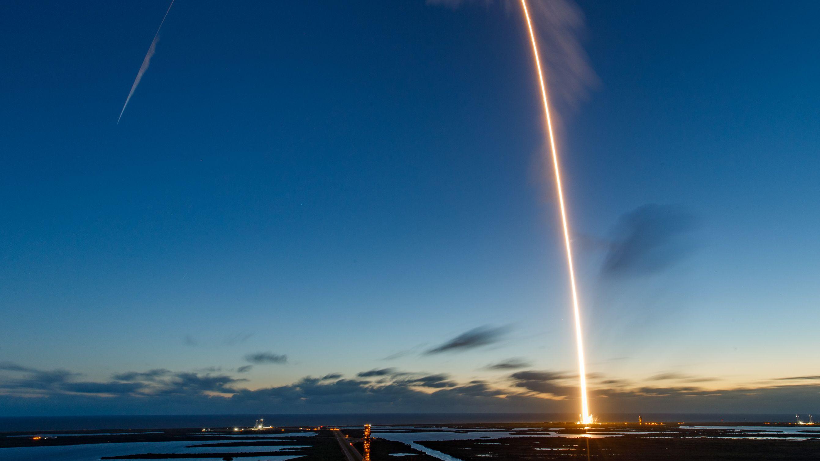 ボーイングのスターライナーが初の無人飛行、ISSには到達せず