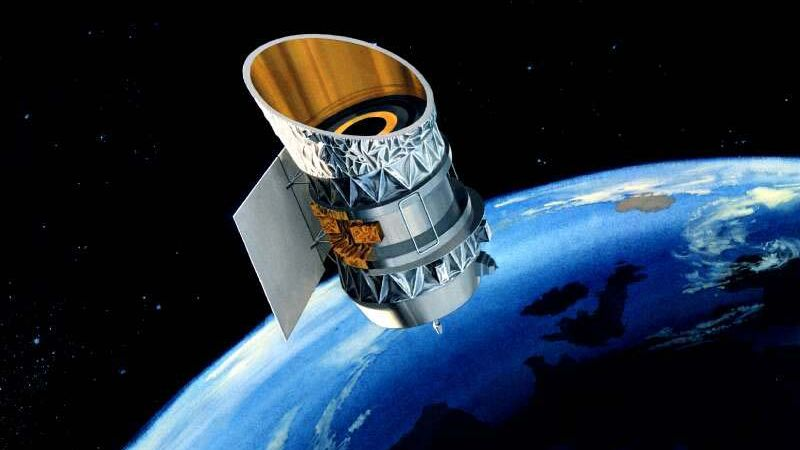 古い人工衛星2基が米国上空で衝突の恐れ