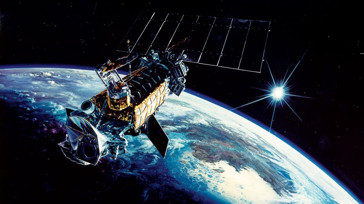 ロシアの人工衛星が米国のスパイ衛星に接近、ストーキングか?