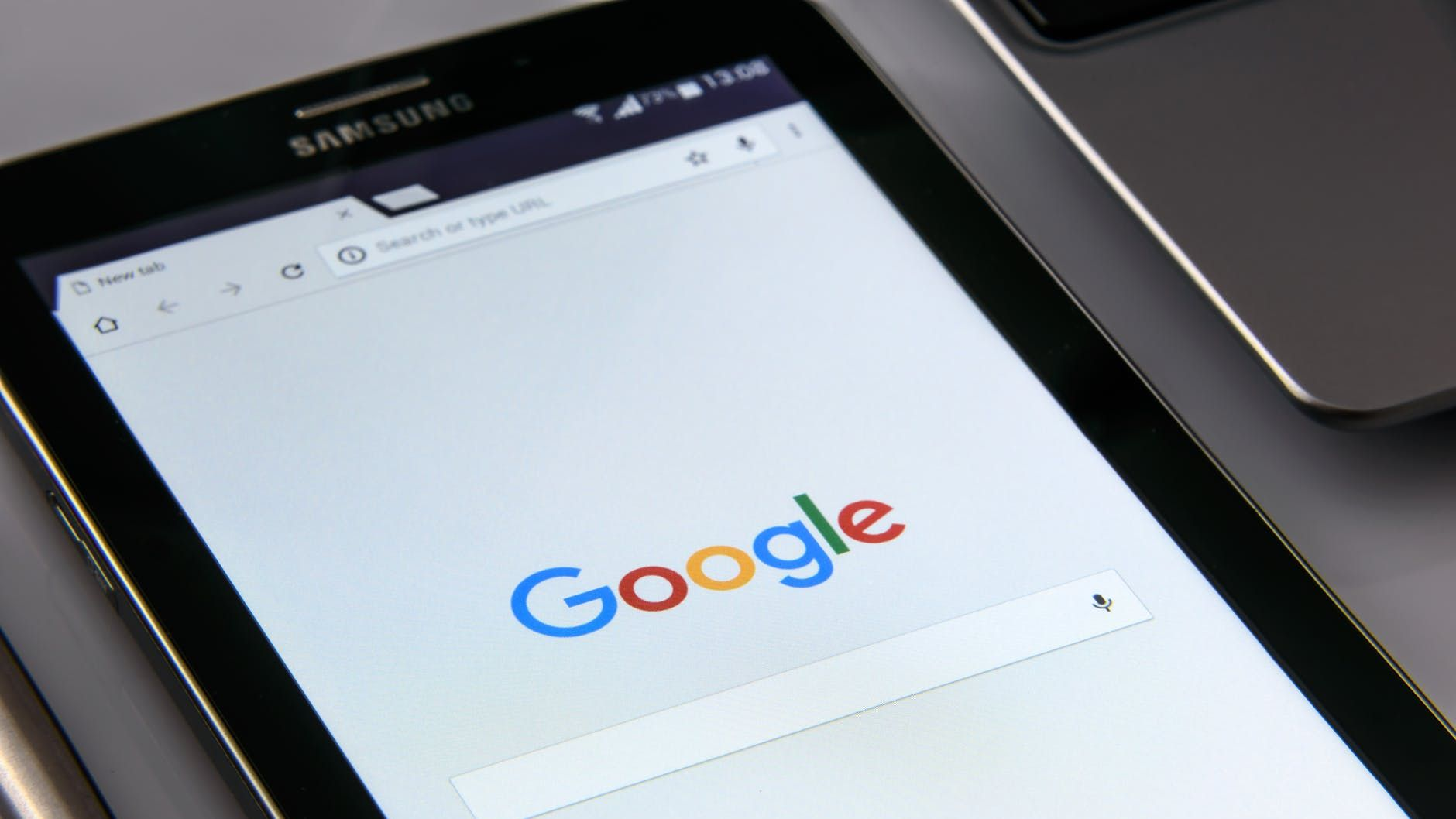 グーグル・フォトでトラブル、バックアップに第三者の動画が混入