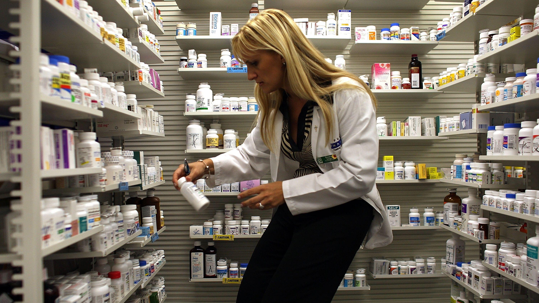 新薬開発を効率化、危険な薬物相互作用を防ぐAIシステム