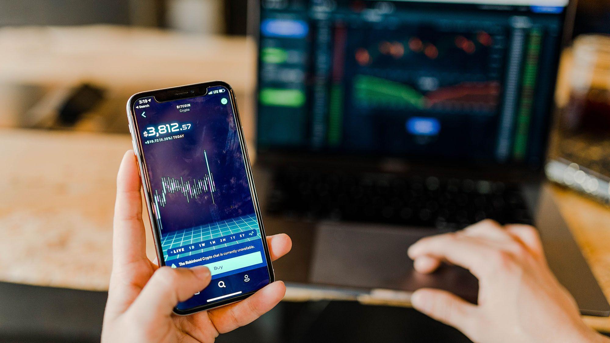 暗号通貨マネロン新規制、利用者情報の共有に課題