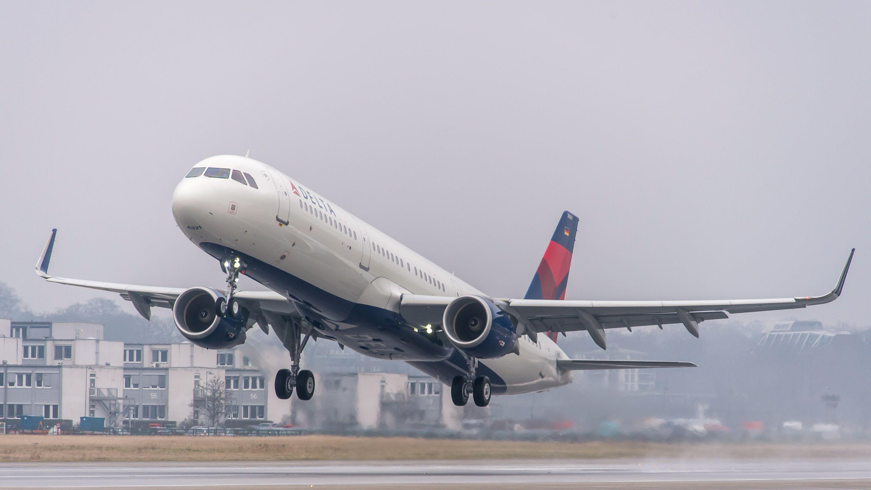 デルタ航空が温室効果ガスを実質ゼロに、10億ドル投資へ