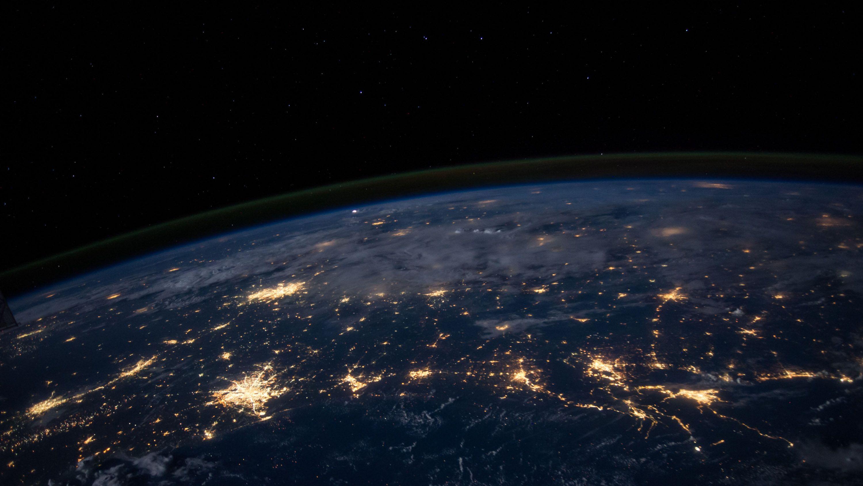 ジェフ・ベゾスが気候変動対策に100億ドル、何に使えば効果的?