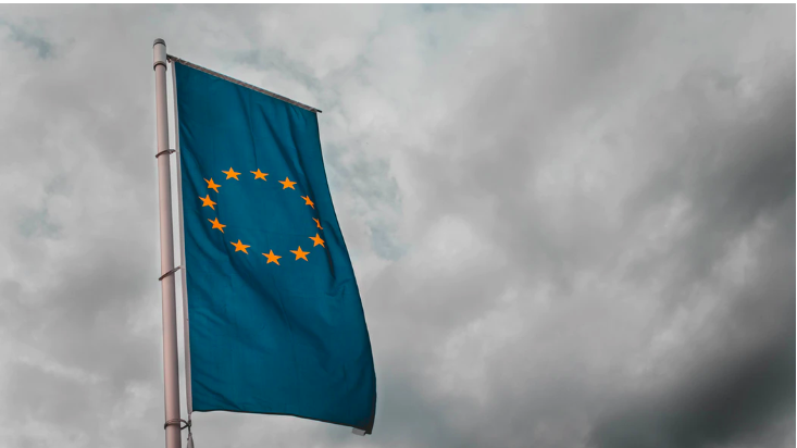 EUがAI規制ガイドラインを発表、「顔認識禁止」見送りへ