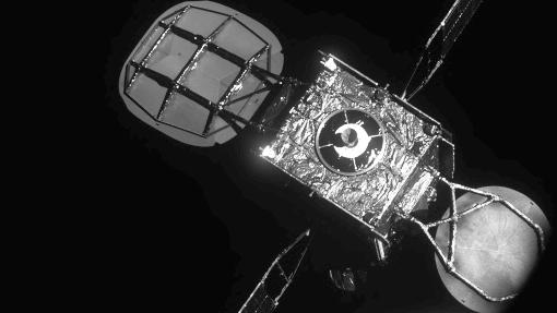 古くなった衛星を「延命」、軌道上でのドッキングに成功