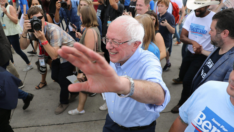米大統領選:サンダース候補の「大胆すぎる」気候変動対策の中身