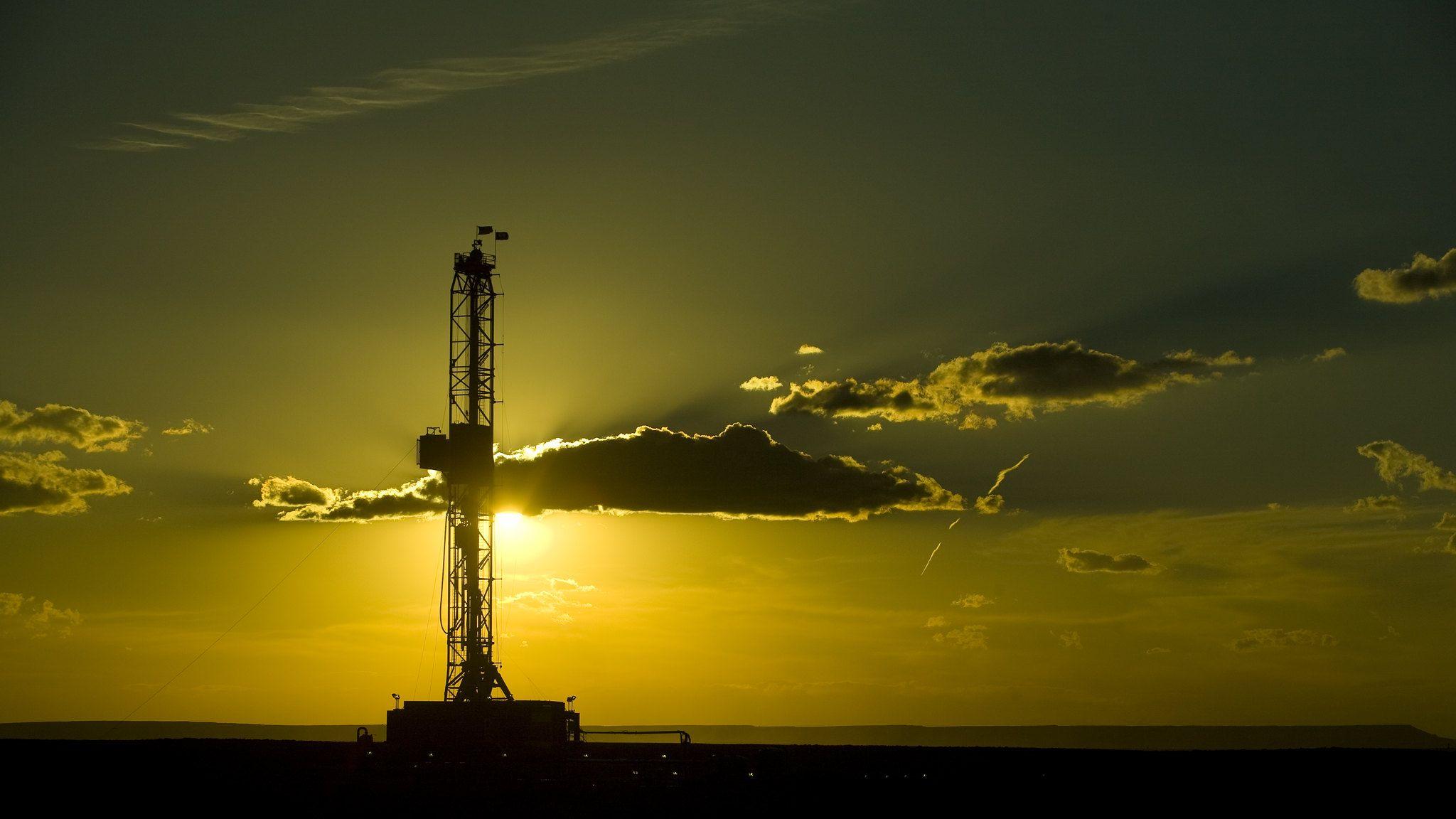 トランプ大統領が石油・天然ガス業界への支援を表明、新型コロナ対策で