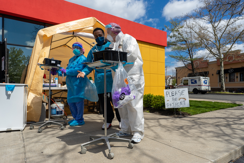 新型コロナ、米国でも感染者の集計・報告にばらつき