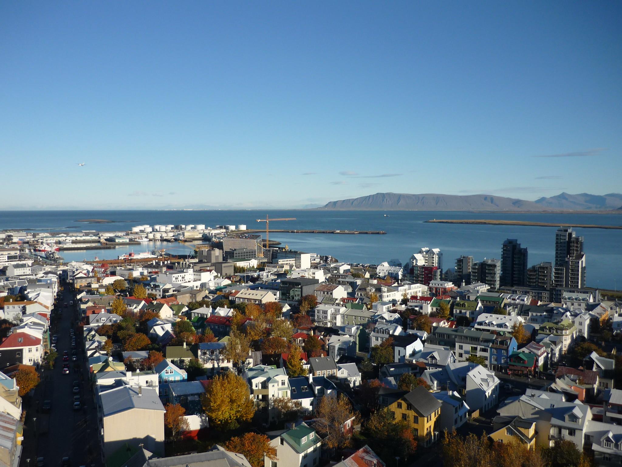 普及率世界一のアイスランド、追跡アプリは決め手になったか?