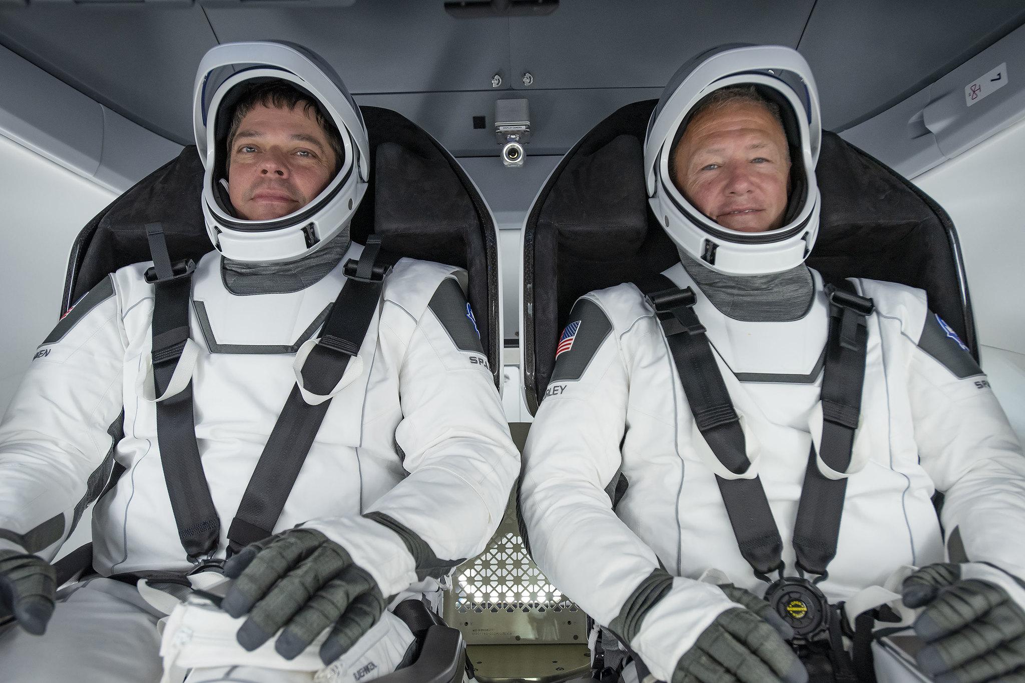 スペースX、初の有人商業宇宙船を間もなく打ち上げ