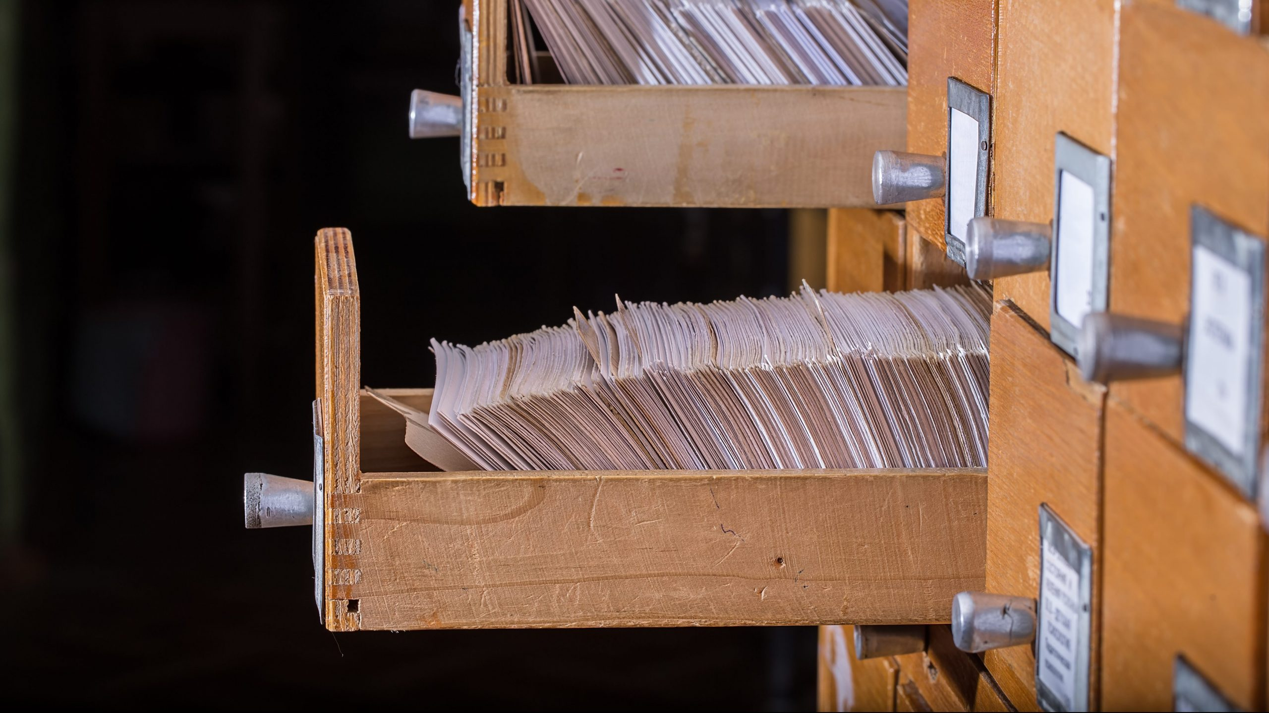 新型コロナ論文のファクトチェックを支援、研究者向けAIツール