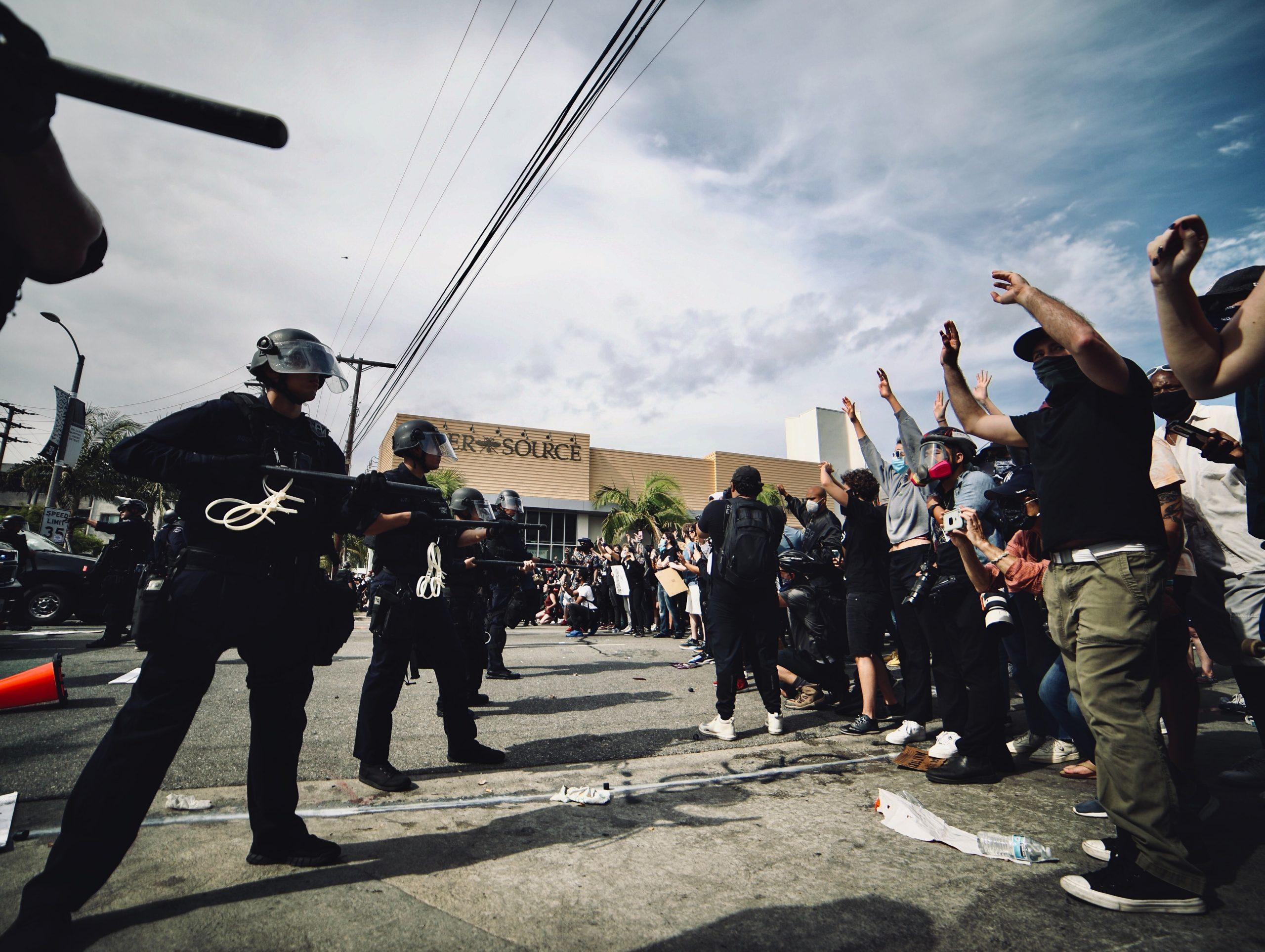 特別寄稿:ネット上でせめぎ合う抗議活動のデマと真実