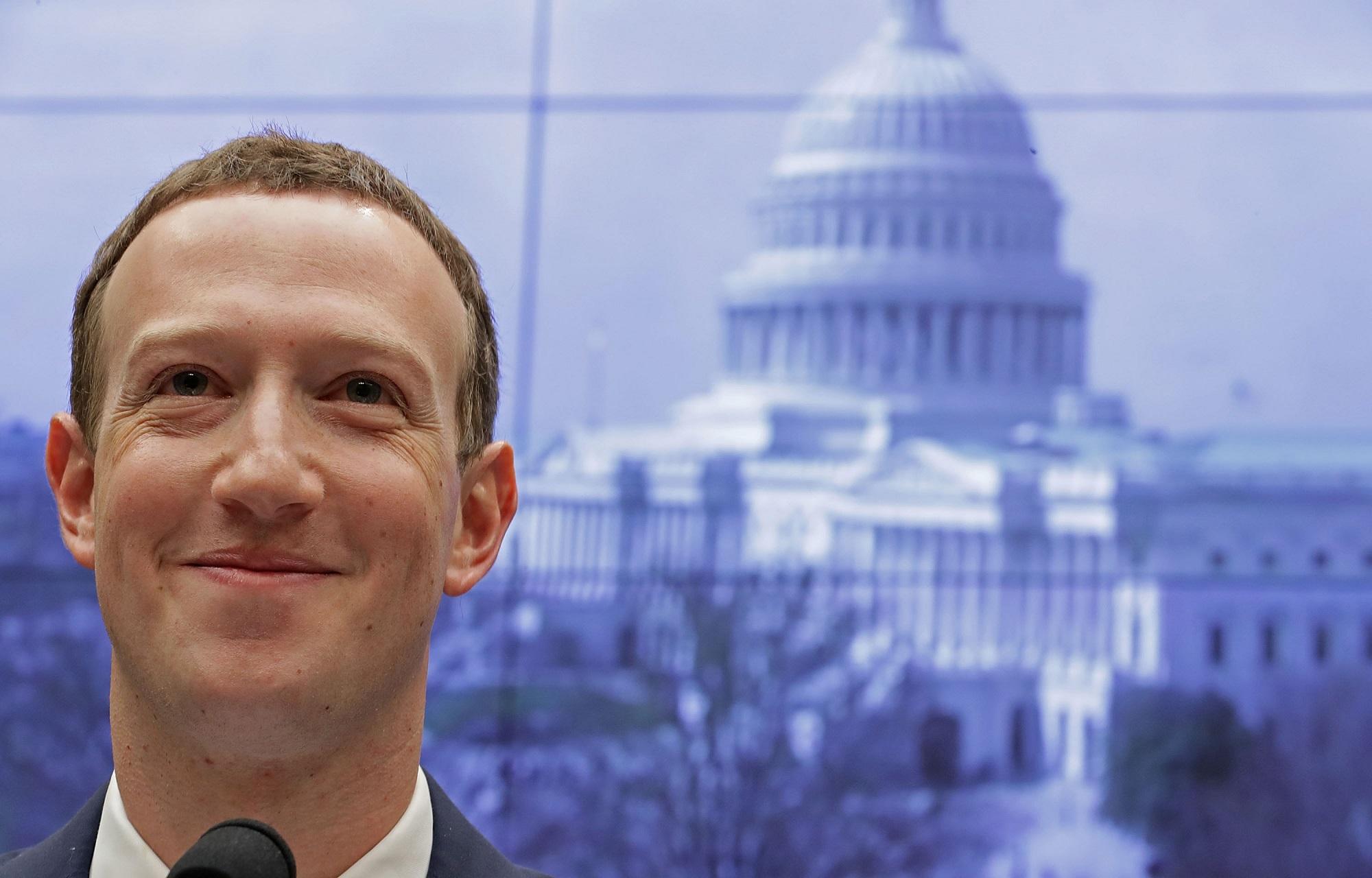 フェイスブック、政治広告の非表示を選択可能に