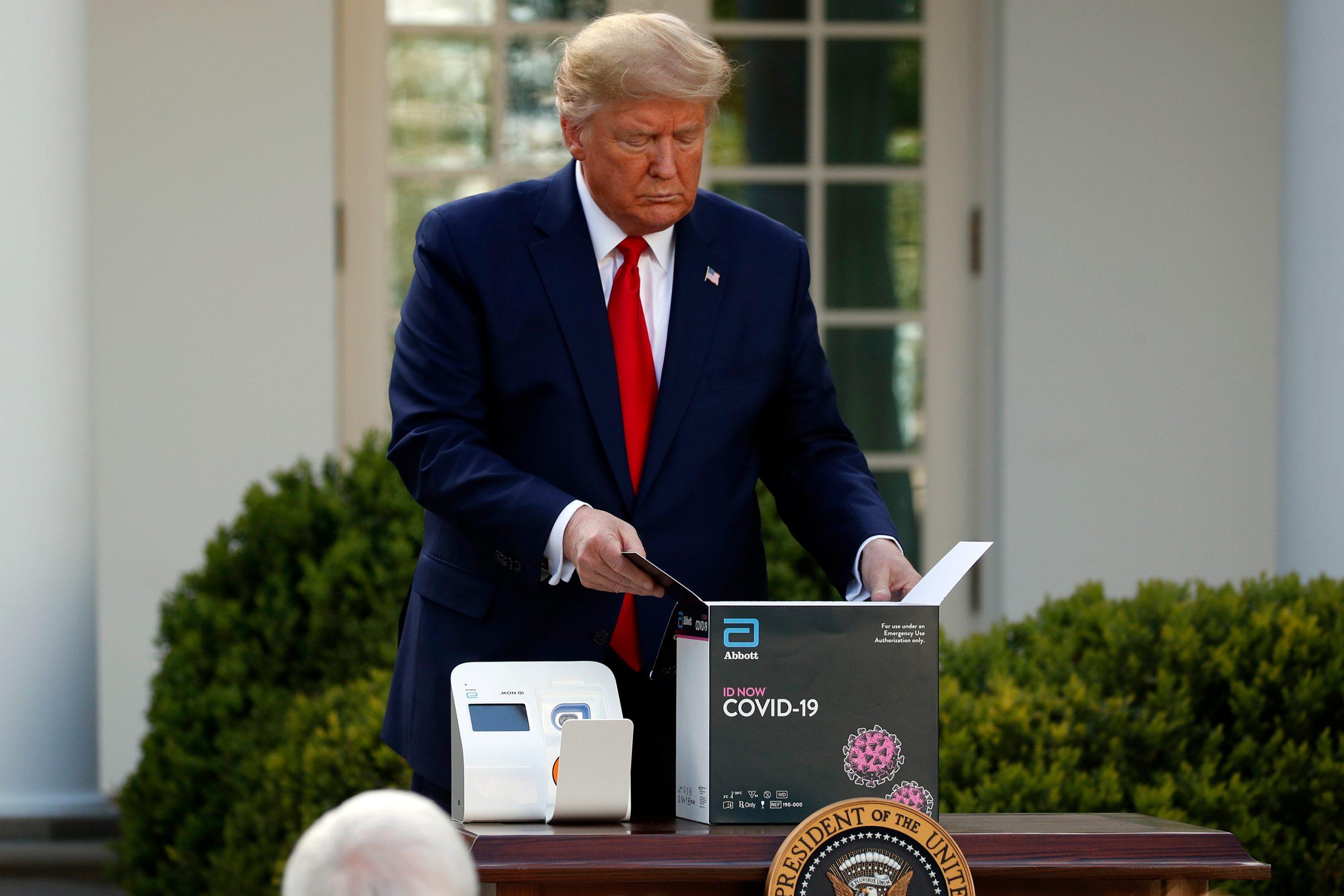 ホワイトハウスの集団感染、迅速検査はなぜ機能しなかったのか