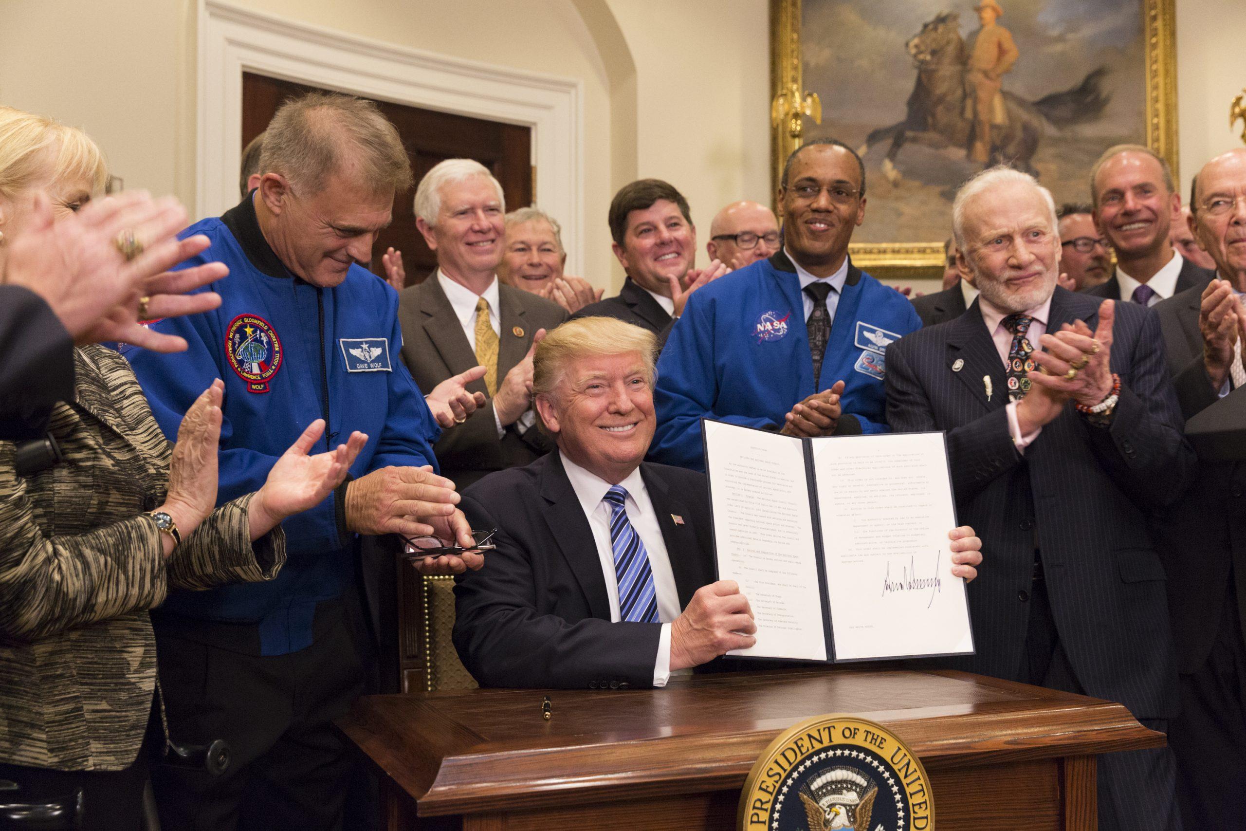 月への回帰、宇宙軍—— トランプ政権の宇宙政策とは 何だったのか?