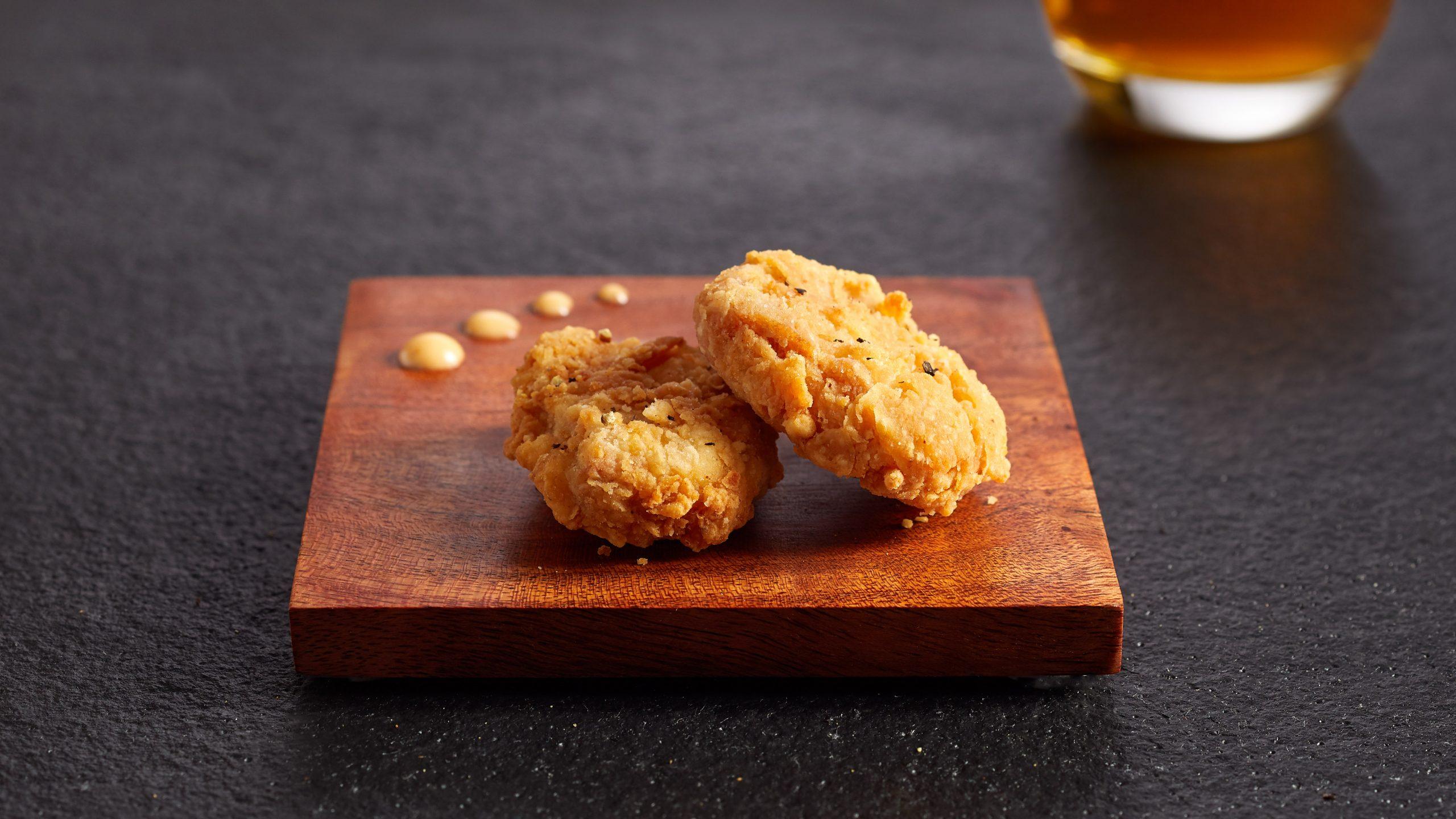 シンガポールで人工培養肉に初認可、チキンナゲット販売へ
