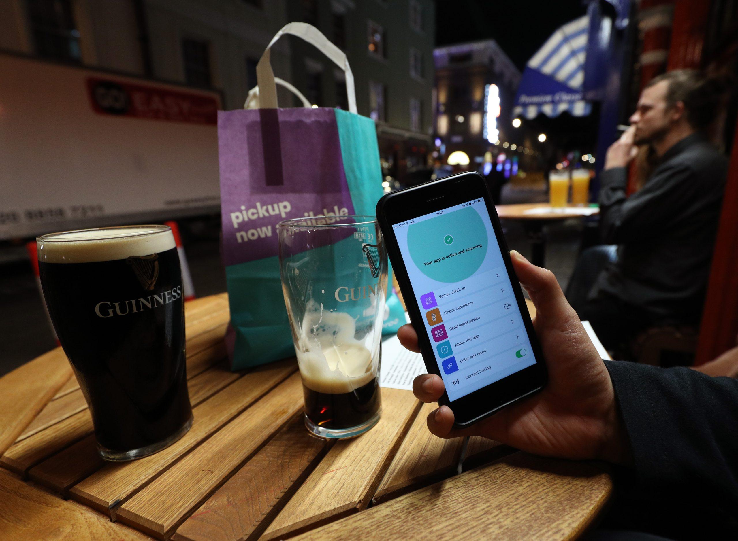 接触追跡アプリ、英国で60万件の感染防止か=オックスフォード大