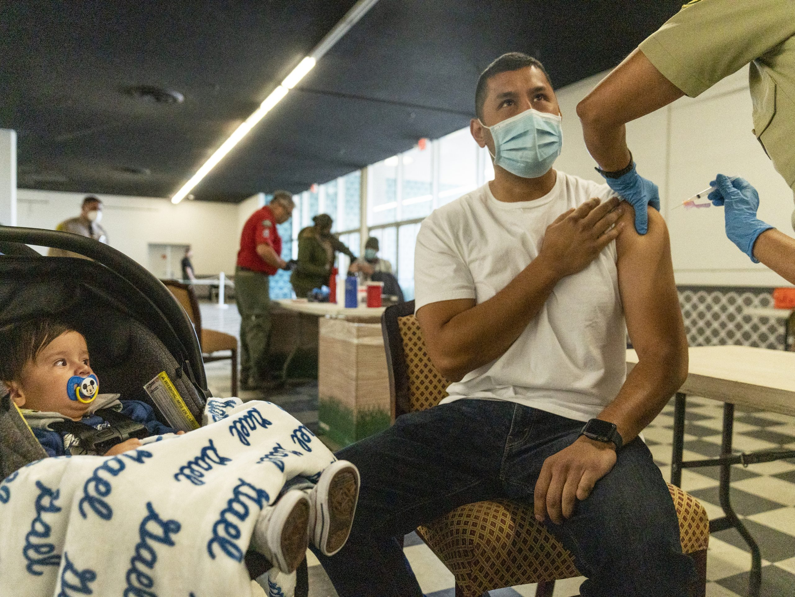 条件付き「マスクなし」も CDCがワクチン接種後の新指針