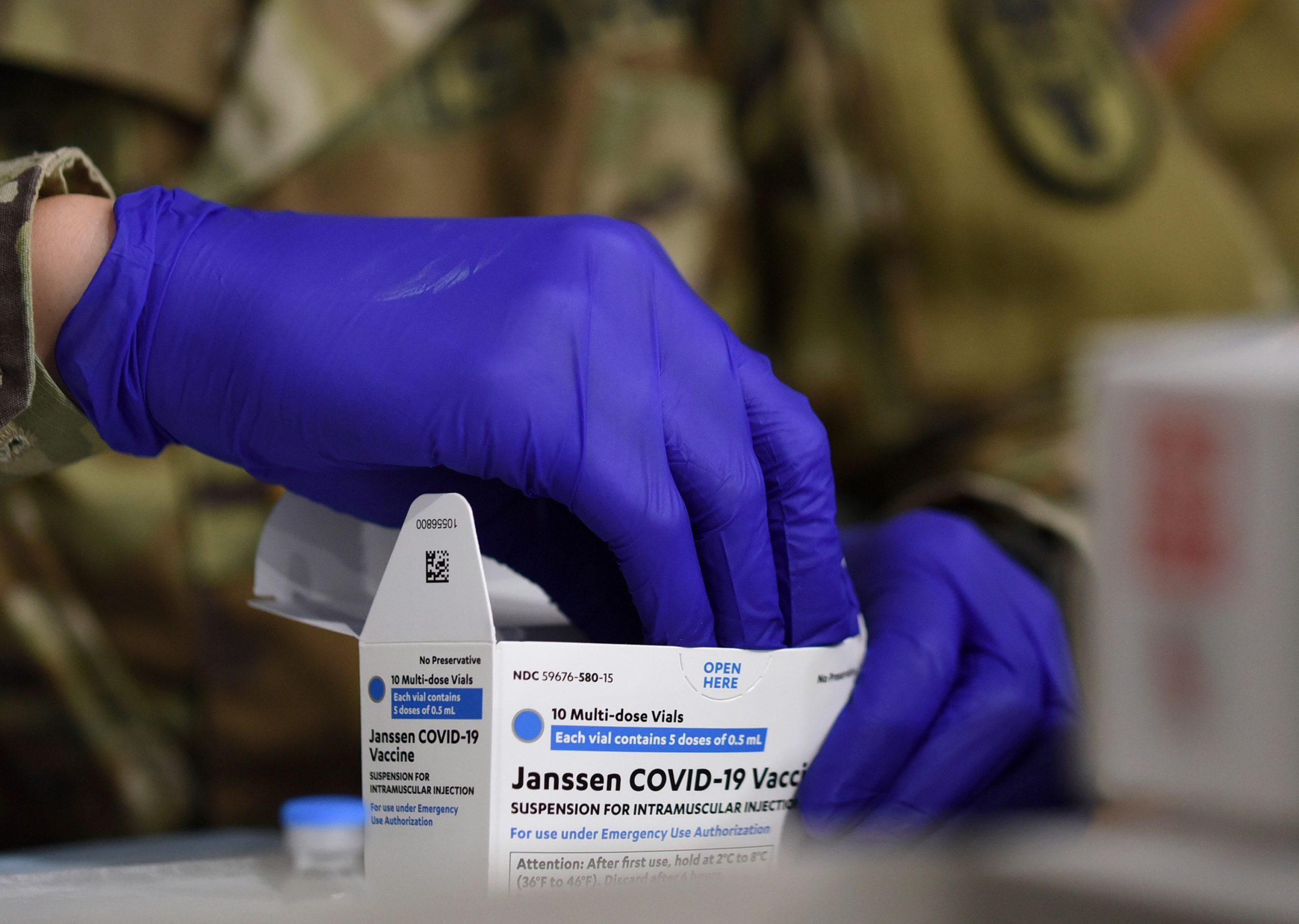 接種中止のJ&J製ワクチン、データ不足で再開メド立たず