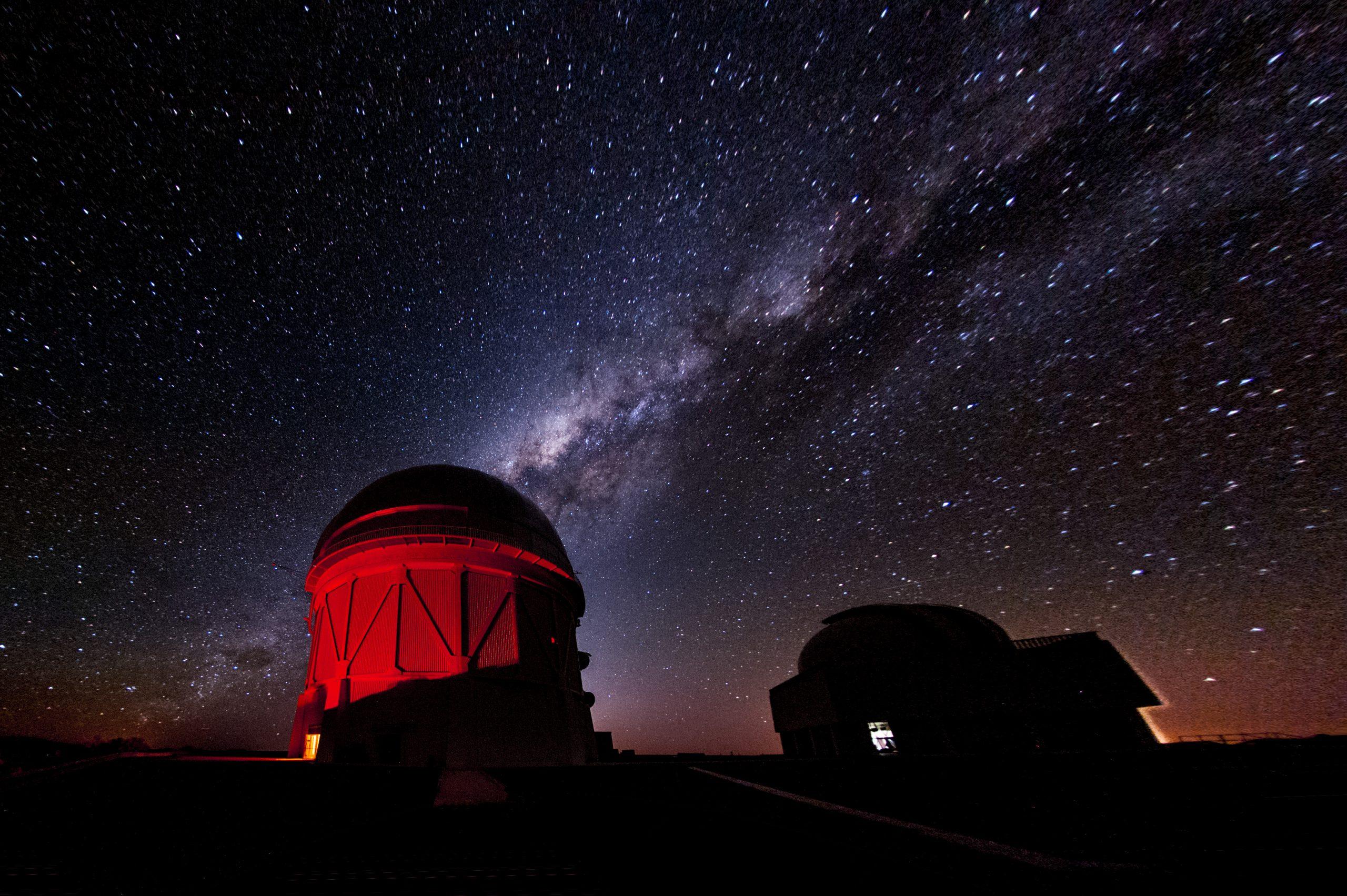 宇宙の暗黒物質の詳細マップ公開で、予想外の問題が浮上