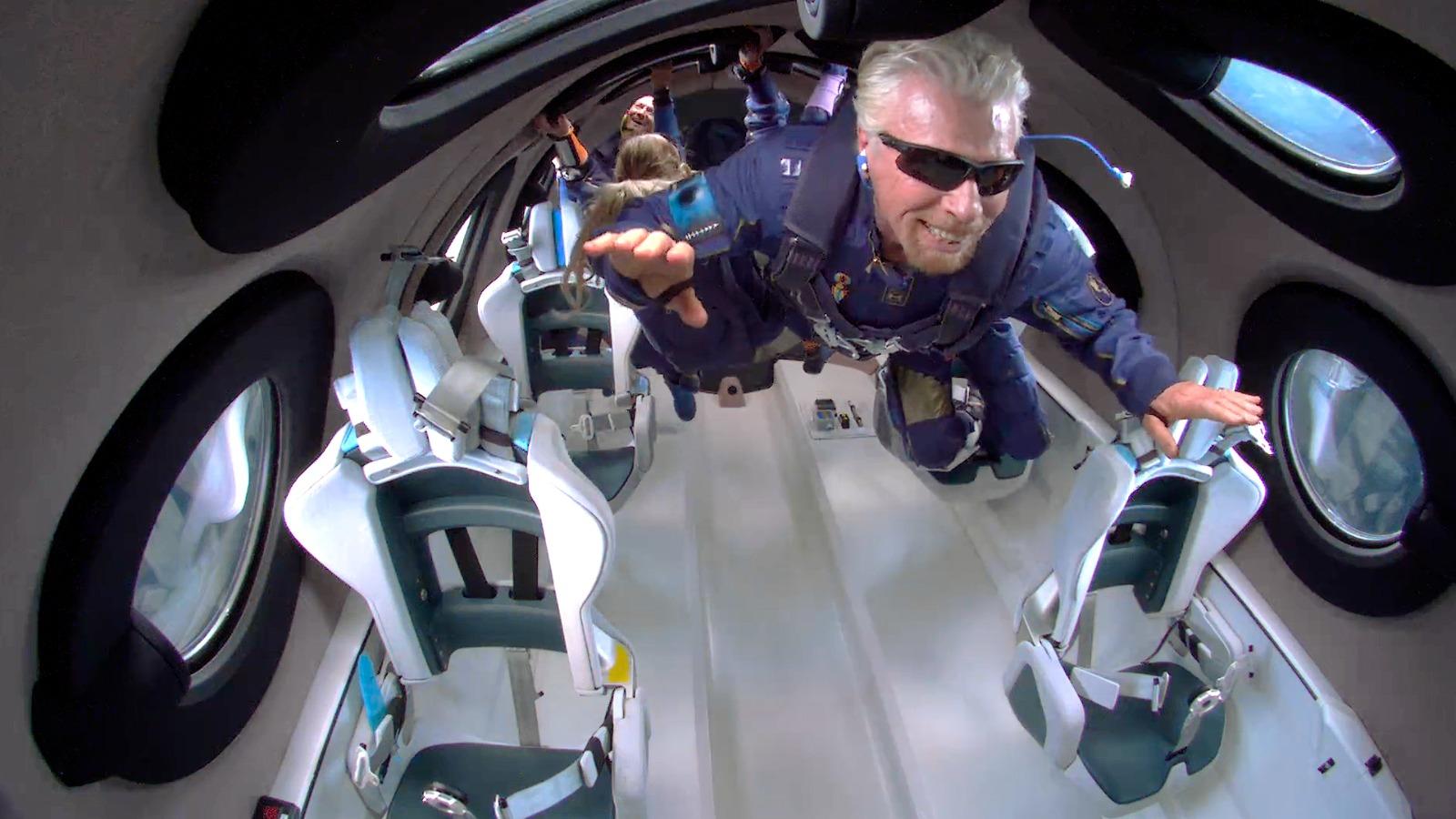 ヴァージン創業者の初飛行が開く、宇宙旅行時代の扉